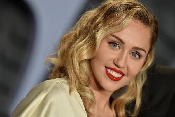 Lo que dijo Miley Cyrus sobre el video 'Medellín' de Madonna y Maluma