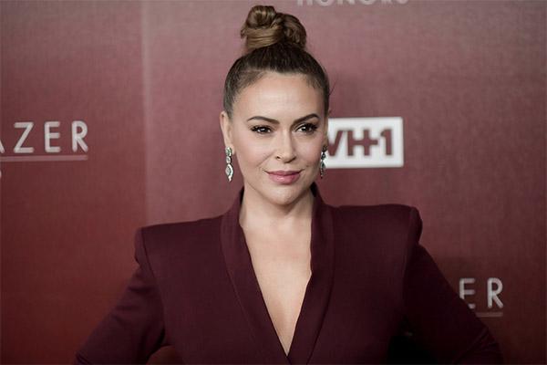 Mira la razón por la que Alyssa Milano instó a hacer una «huelga de  sexo»