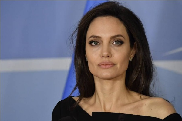 ¡Qué loco! Angelina Jolie tuvo una novia en los años 90
