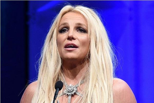 Padre de Britney Spears fue acusado de violencia física