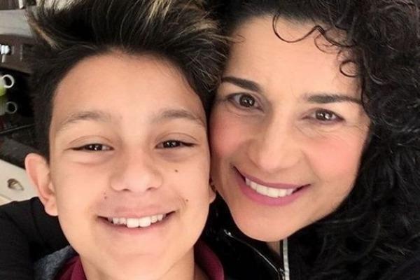 Karina anuncia que su hija se transformará en hombre