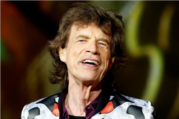 Mick Jagger se recupera y baila a un mes de su operación