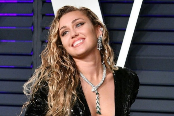 Miley Cyrus en 'Black Mirror': Mira cómo luce la actriz