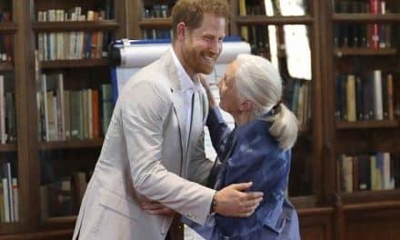 El divertido baile del príncipe Harry junto a Jane Goodall