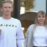 Miley Cyrus y Cody Simpson al estilo del 'Joker' (+video)