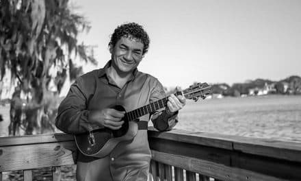 Juan Carlos Salazar fusiona dos géneros con su voz y su cuatro